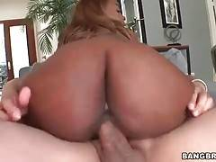 In this porn video you can see amateur Tori Taylor